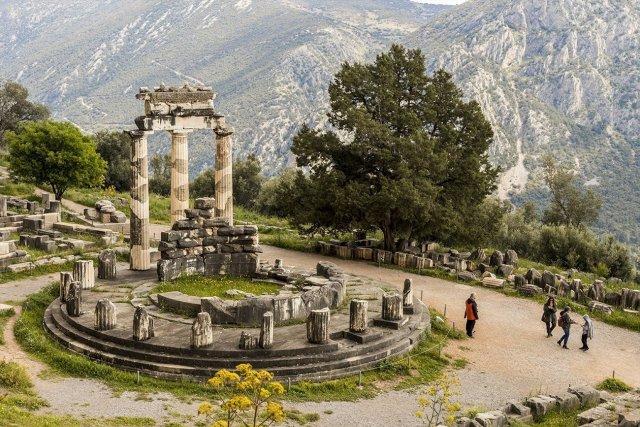 Delfi Apollo temple.