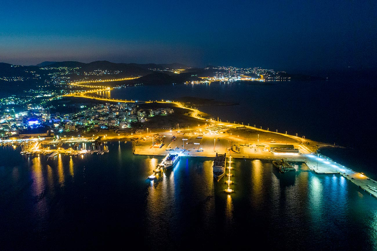 Lavrio. The port at night.
