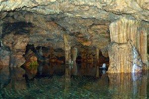 Mani Diros Caves ©GNTO. Photo by EFili
