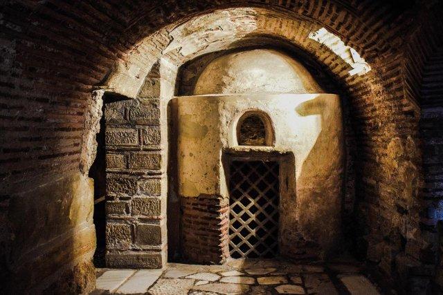 Milos. Catacomb.