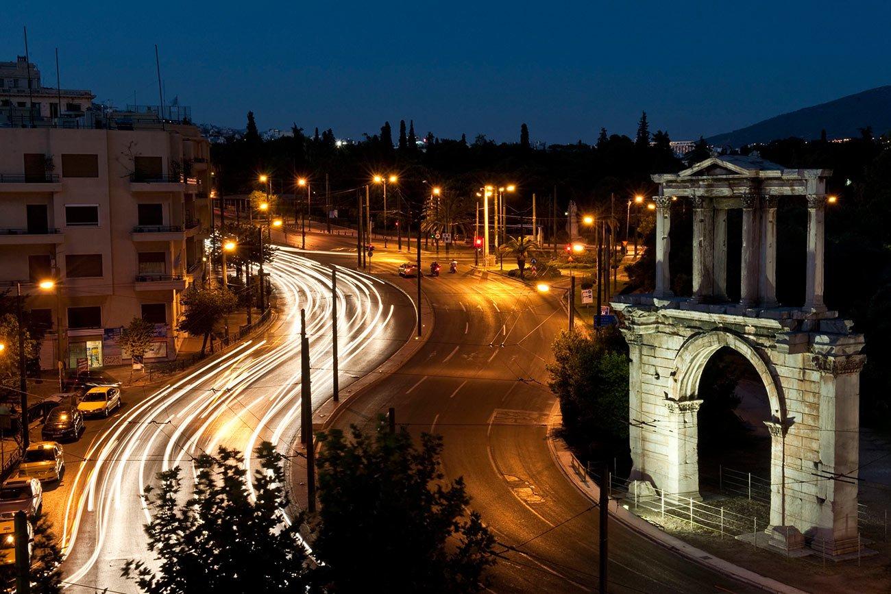 Athens Hadrians Arch ©Greek National Tourism Organization Photo by YSkoulas